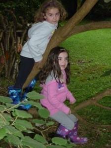 kids-in-tree-225x300
