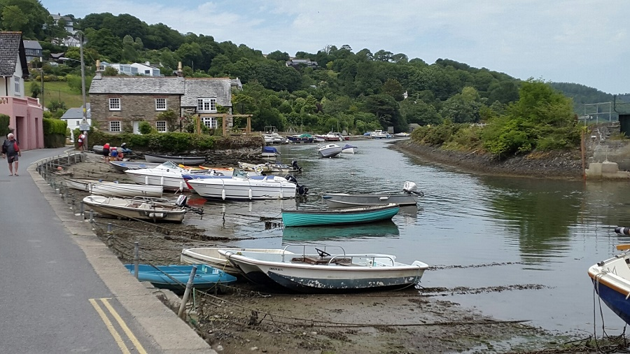 Canoeing on the River Fowey is a great family friendly activity